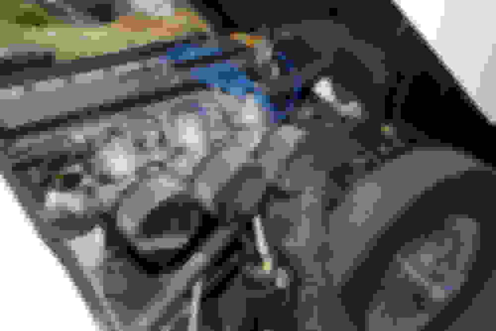XKE 4 2 S1-S2 Dual Stromberg vs Triple Carburetion - Jaguar