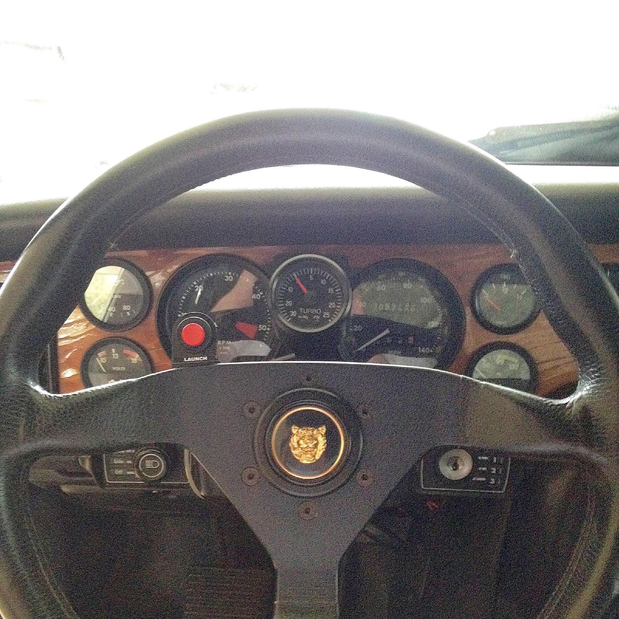 HardDrive Black Cam Style Gas Cap Set 820-52418