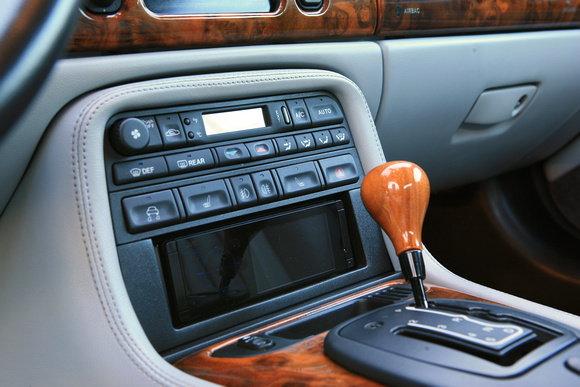 2000 XK8 Aftermarket Radio - Jaguar Forums - Jaguar