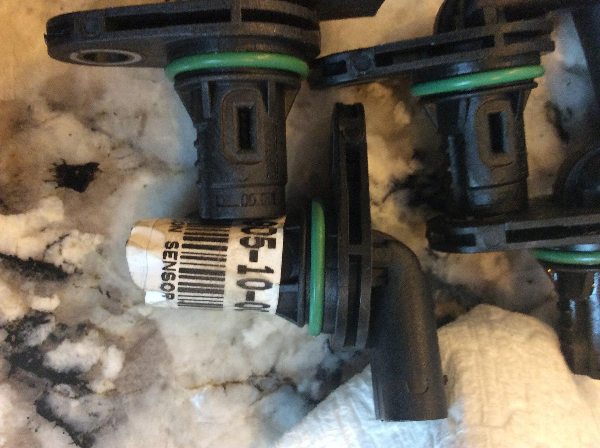 Engine Camshaft Position Sensor Genuine For Mercedes 2769051100