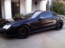 0324091721 Satin blk whls w/gloss lip red calipers