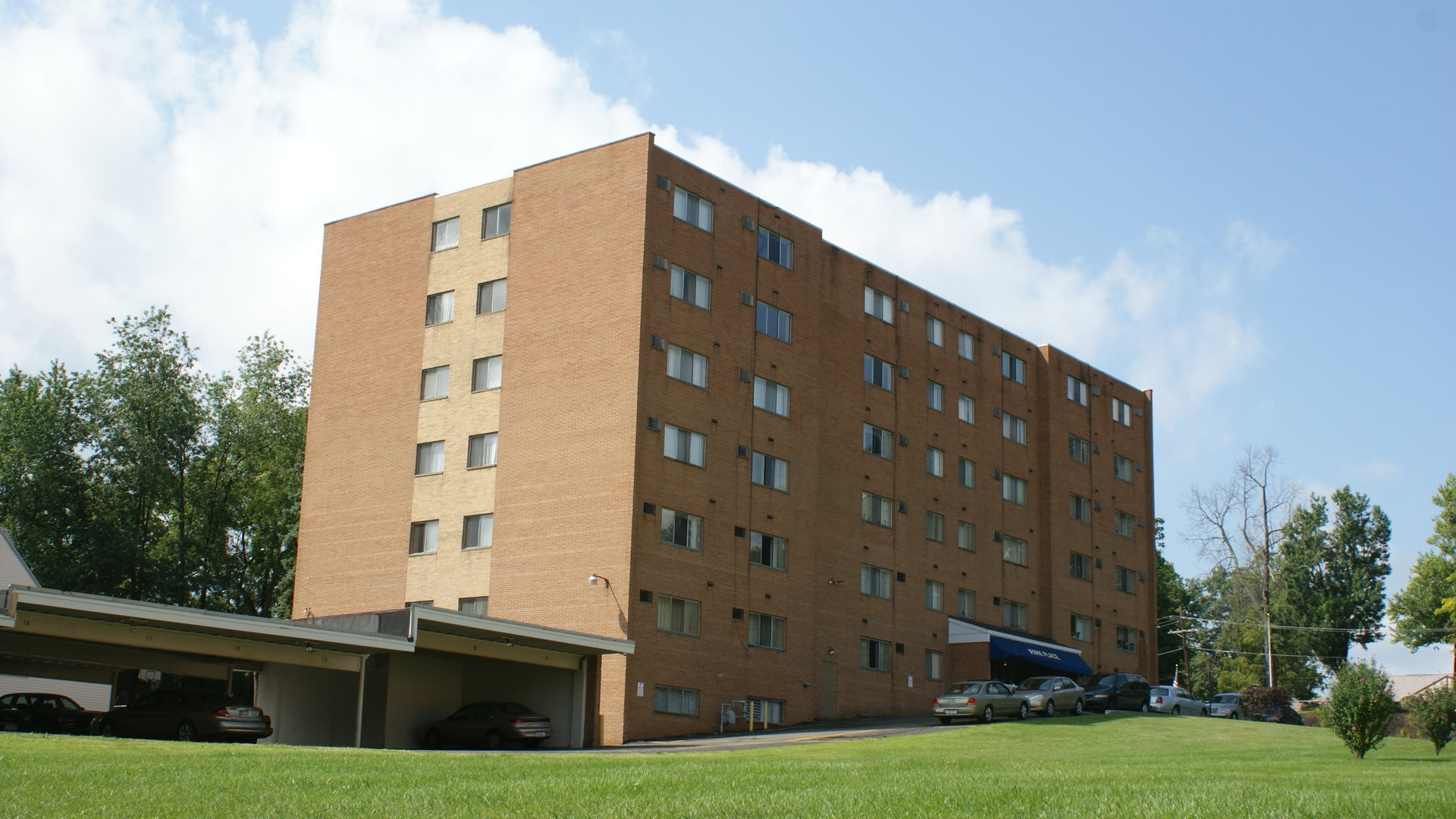 38 Apartments for Rent in Canton, OH | ApartmentRatings©