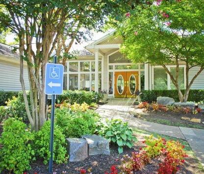 Reviews & Prices for Stone Ridge at Germantown Falls, Memphis, TN