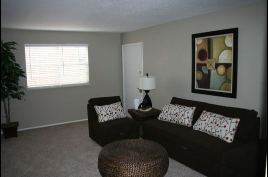 Image Of Hartford House Apartments In Oklahoma City, OK