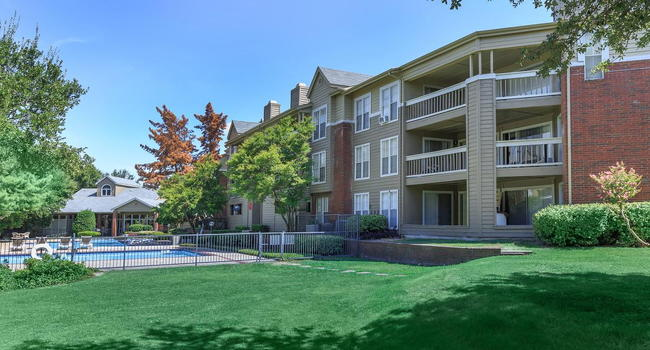 Bristol Square Apartments - 20 Reviews | Dallas, TX ...