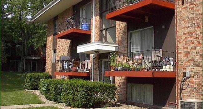 Gold Falls Villa Apartments 24 Reviews Cedar Falls Ia Apartments For Rent Apartmentratings