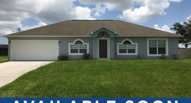 Image of 527 Northeast 6th Place in Cape Coral, FL