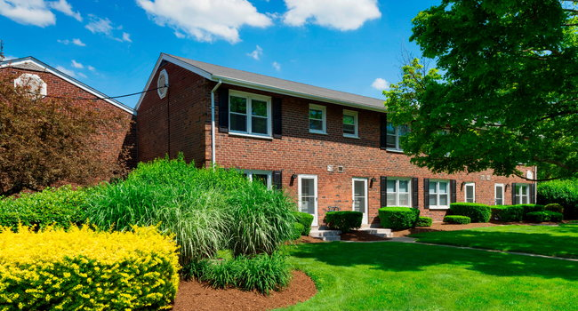 Greenwoods - 70 Reviews | Brockton, MA Apartments for Rent