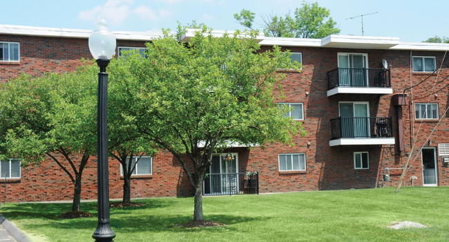 Highland House Apartments - 12 Reviews | Randolph, MA Apartments for ...