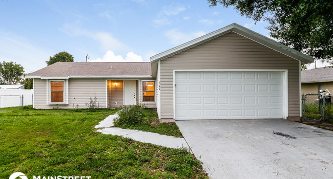 Image of 317 Northeast 10th Street in Cape Coral, FL