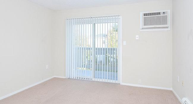 Grand Ridge Apartments - 12 Reviews   Cedar Rapids, IA