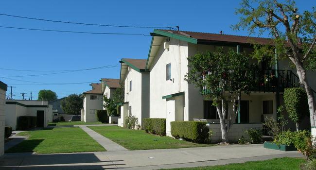 Image Of Park Parthenia Apartments In Northridge Ca