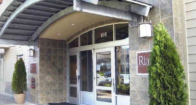 Image Of Rianna Apartments In Seattle Wa
