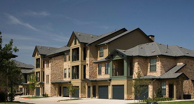 Image of Lakeside Villas in Grand Prairie, TX