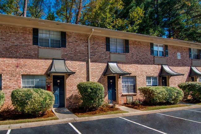 Upland Townhomes - 19 Reviews   Mableton, GA Apartments for