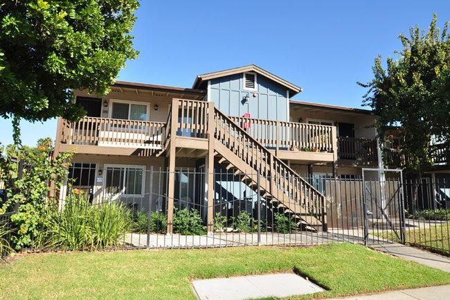Village Grove Apartments 45 Reviews Escondido Ca For