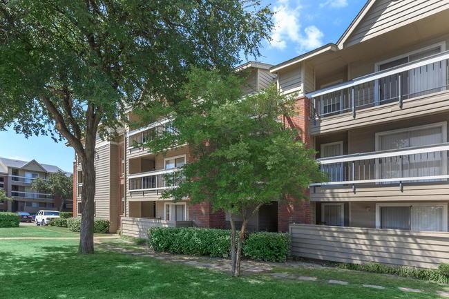 bristol square apartments 20 reviews dallas tx apartments for