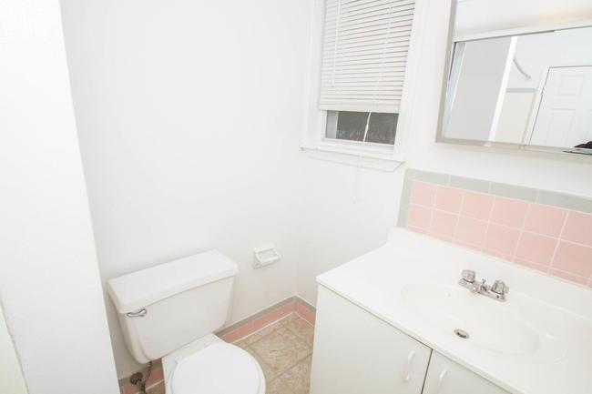 Pine Valley Court 35 Reviews Clementon Nj Apartments