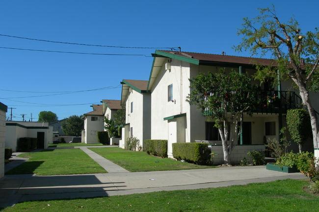 Resident Photo Of Park Parthenia Apartments In Northridge Ca